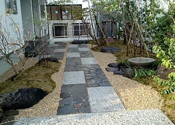 宮城・仙台の庭づくり泉伊藤造園 | 施工事例_アプローチ